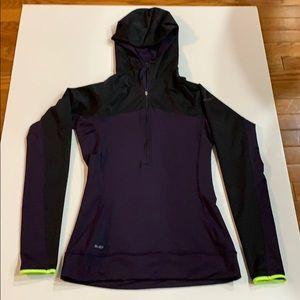 NIKE running 1/2 zip hoodie.
